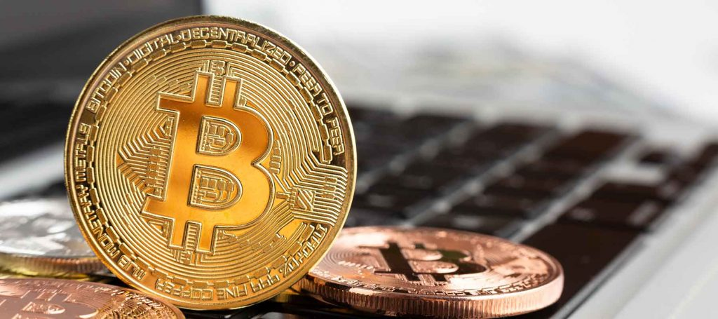 bitcoin-cryptocurrency-kripto-para-laptop-teknoloji-haberleri-teknorex